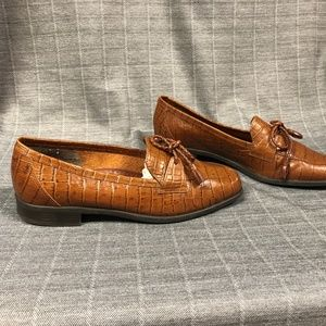 Vintage Naturalizer Brown Leather Loafers Size 7